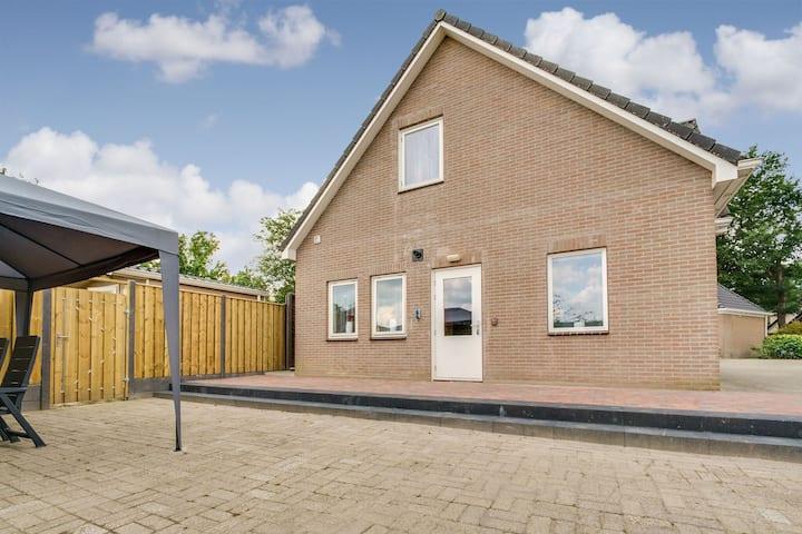 Simplistic Holiday Home in Klijndijk near Centre