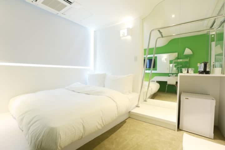SUITE Near MRT 3 Minutes by walk 13T5/Double bed
