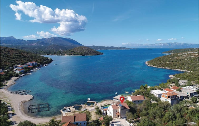 Holiday apartment with 3 bedrooms on 76m² in Luka Dubrava