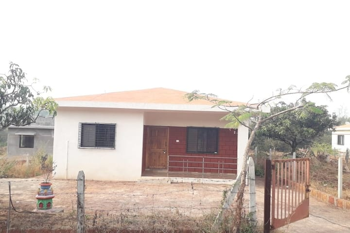 ★ Comfortable home in Dapoli - Symphony 3 ★