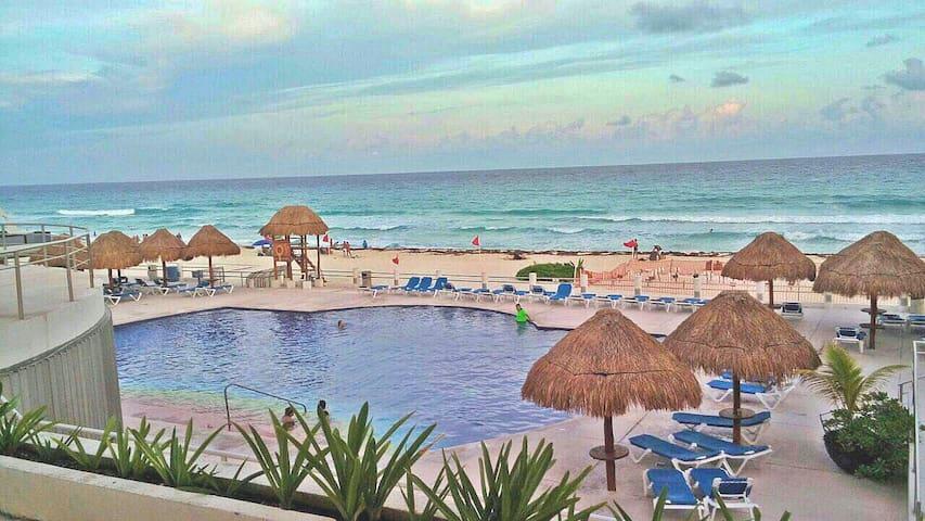 Villas Marlin 438 en la playa, zona hotelera playa