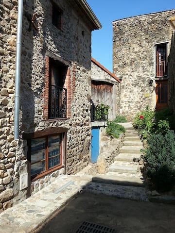 S1 - Studio (Type T1) avec terrasse - Lavoûte-Chilhac - Apartment