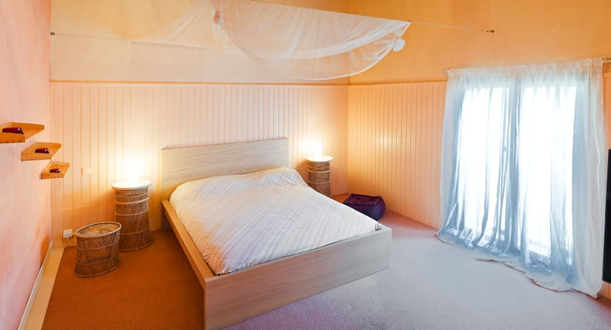 Chambre d'hôtes confortable...Grand et beau volume - Belvèze-du-Razès - Pensió