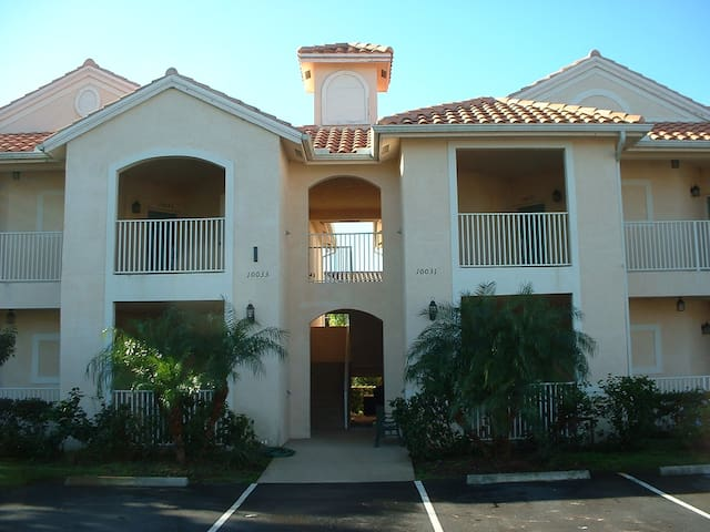 PGA Village Condo 2BR/2BA & Hot Tub 9989