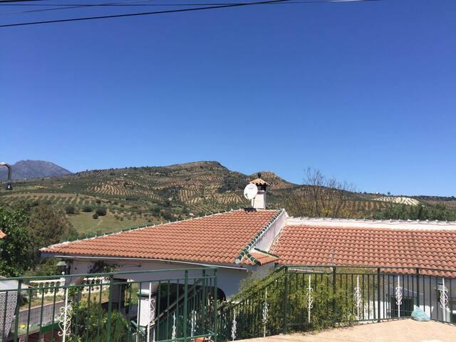 Villa preciosa con vistas, picina y privacidad - Málaga - Villa