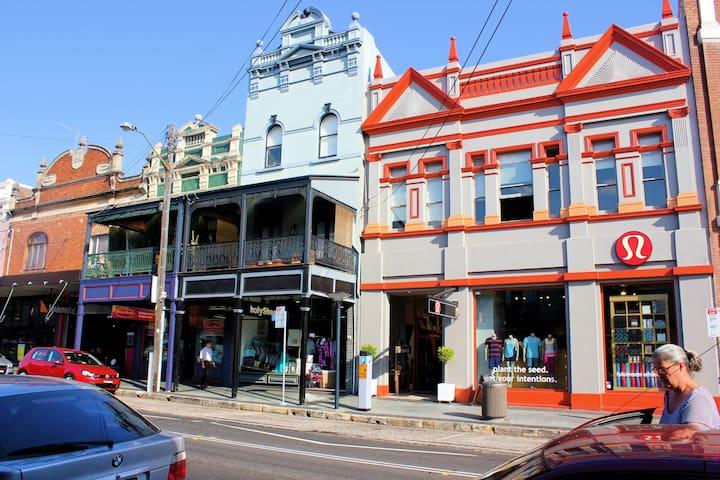 Handy to Sydney harbor, historic! - Balmain - Casa