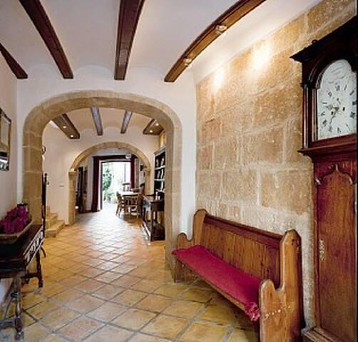 La Casita: Converted stables of 16c Townhouse
