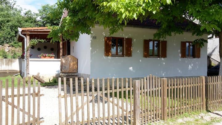 Knin, kleines, aber feines Haus Potkonje