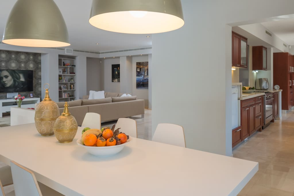 Dining area for 14 people