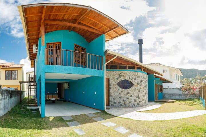 Dormitorio em bela casa no Centrinho da Lagoa