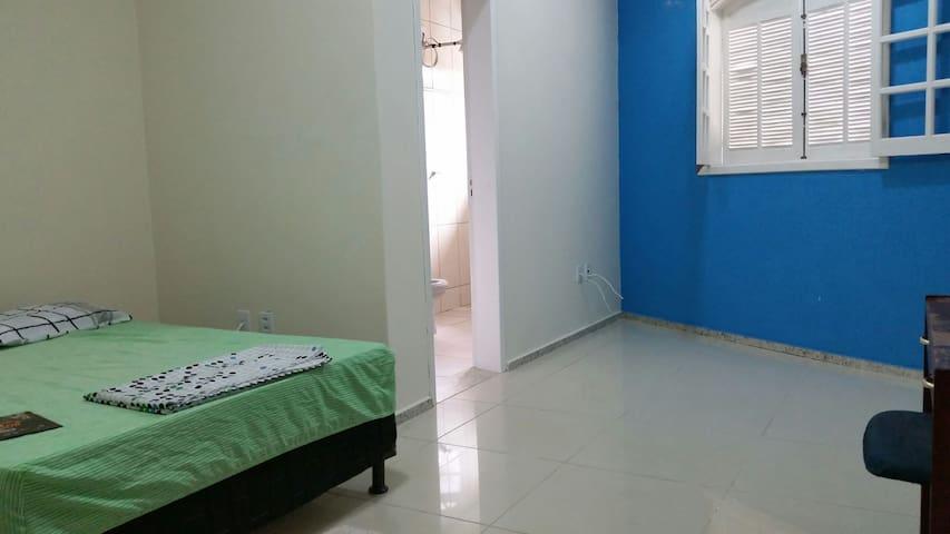 Quarto Próx. ao Centro-Mariana - MG - Mariana - Apartment