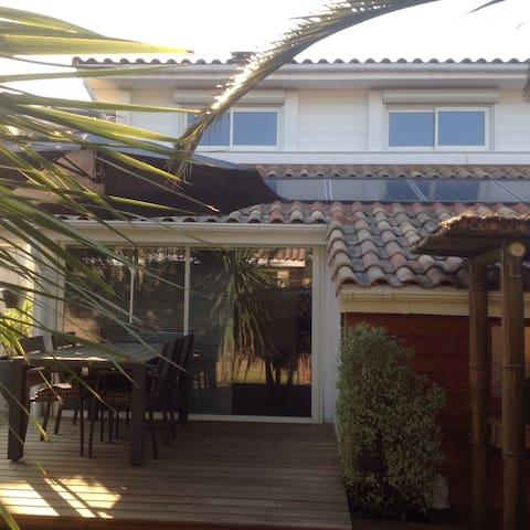Maisonnette 60m2 à 200m de l'océan - Capbreton - House