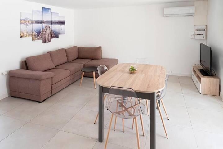 Appartement refait à neuf, 50m de la plage