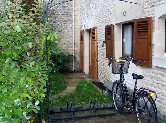 Maison ancienne à Courseulles/mer - Courseulles-sur-Mer - Casa