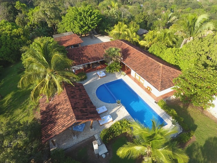 'Villa Magnifica, a blend of style and elegance'