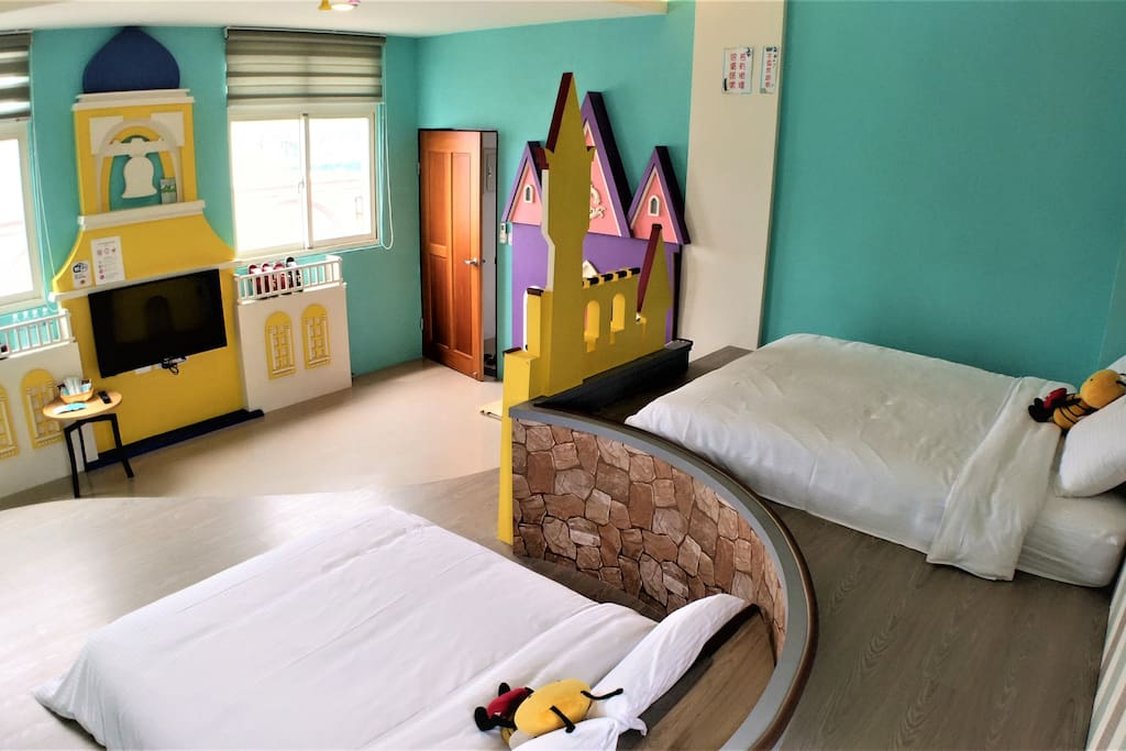 城堡親子房(兩張雙人床)Castle quad Room(Two double bed )