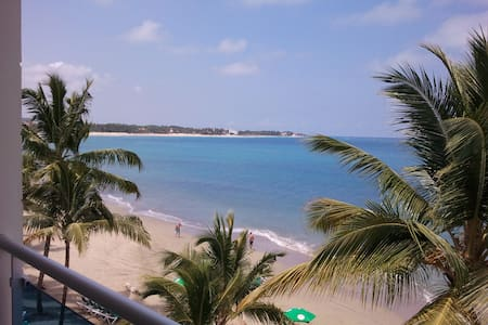 Caribbean Oceanfront Apartment DR