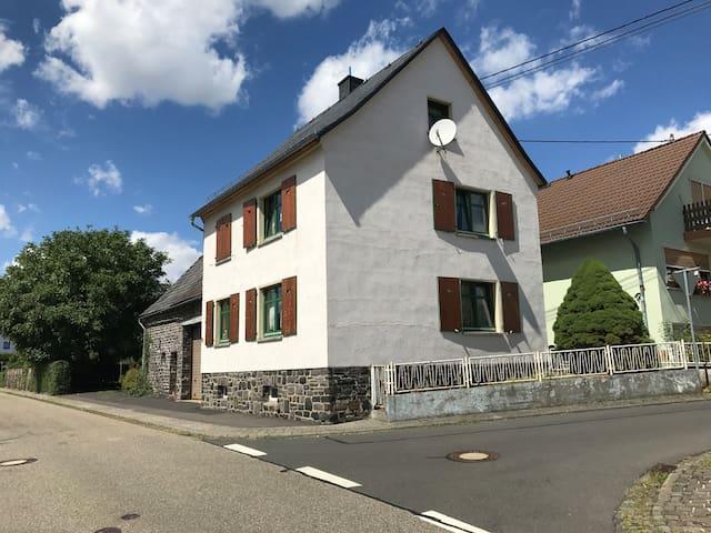stilvolles Bauernhaus 2+3
