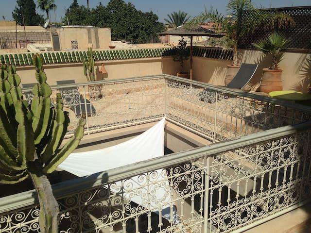 Superb 2 Bed Riad close to Medina. Marrakech.