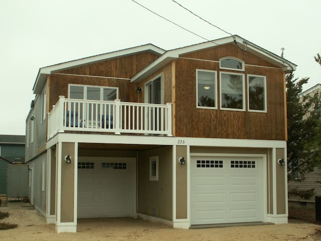 Ideal Surf City Family Beach House - Surf City - House