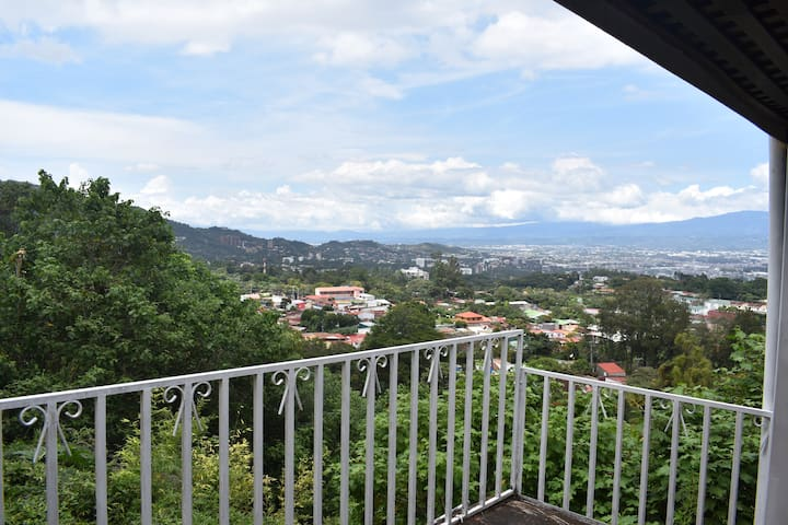 House with a view in Escazu