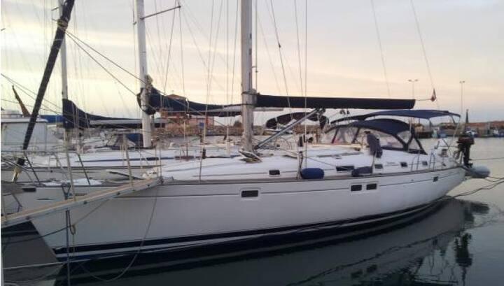 Boat & Breakfast in barca a vela Aida