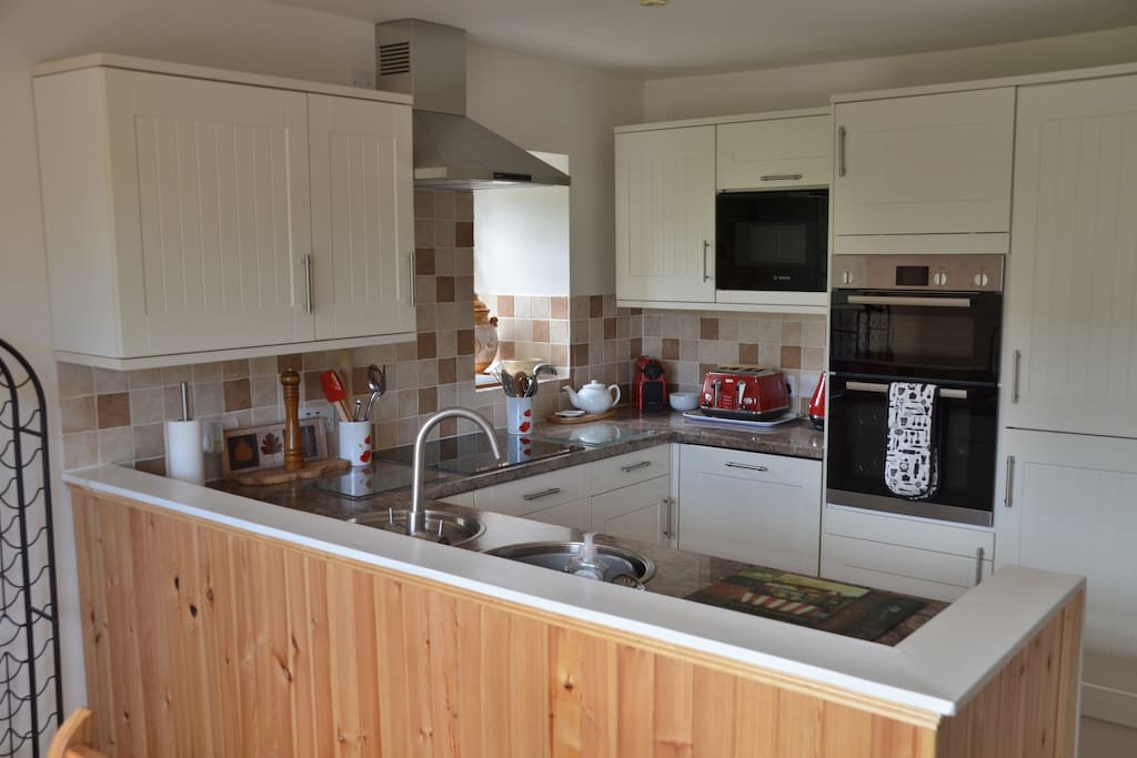 Brand new, fully fitted kitchen