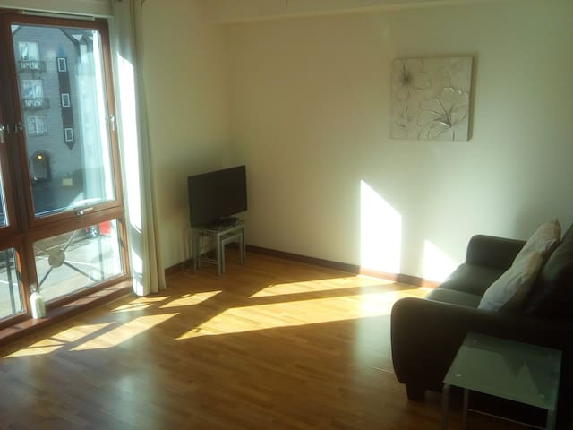 Cosy 1 bedroom flat in Aberdeen city centre.