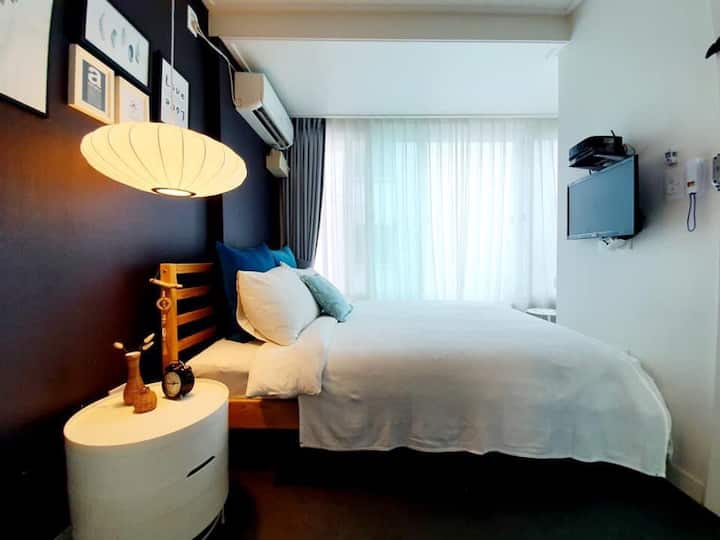모노하우스홍대 2호점 디럭스더블(장기숙박,연트럴파크,연남동,연세대)
