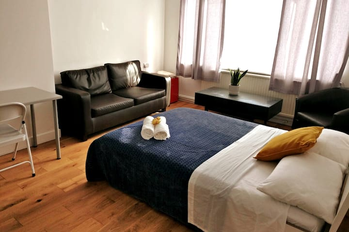 4pp Room Greenwich & Central London at reach 15min