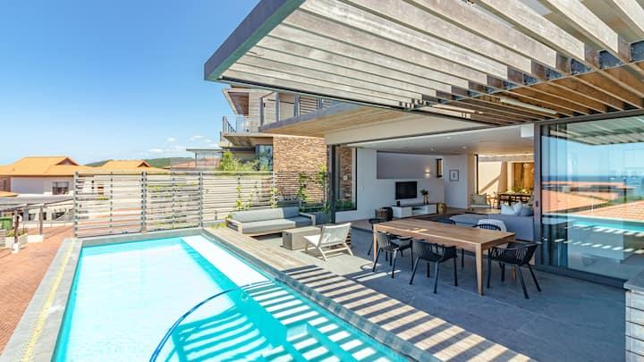 4 Bedroom Villa with Seaviews - OCE412