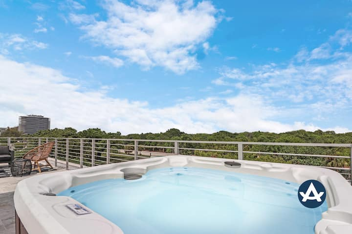 Sextant | Harding Ave 6 | Rooftop Hot Tub & BBQ | Steps to the Beach