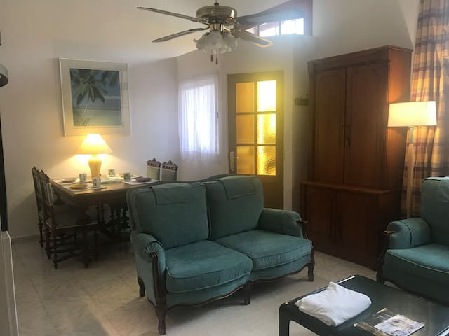 fully equiped apartment with private entrance