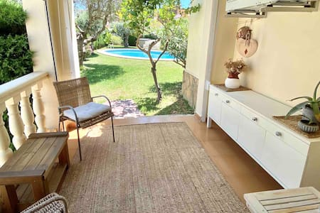 Charming apartment & pool 100m to the sea 6 people