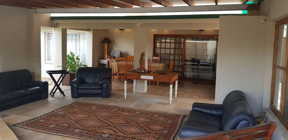 Relaxed and tranquil space in Randhart Alberton