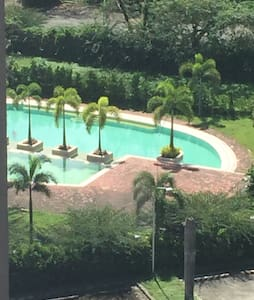 Relaxing Resort Type Condo - Quezon City - Osakehuoneisto