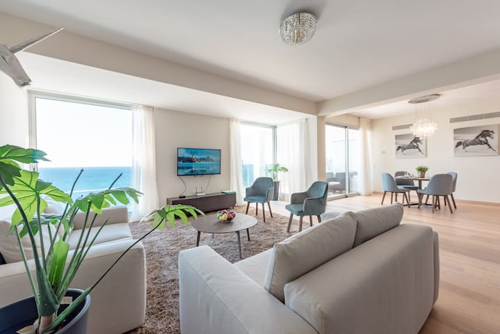 Ammos 43 - First Line 2 Bedroom Apartment