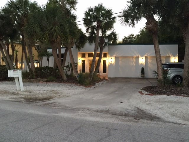 SIESTA KEY  LUXURY Waterfront High-End Home - Siesta Key - Casa