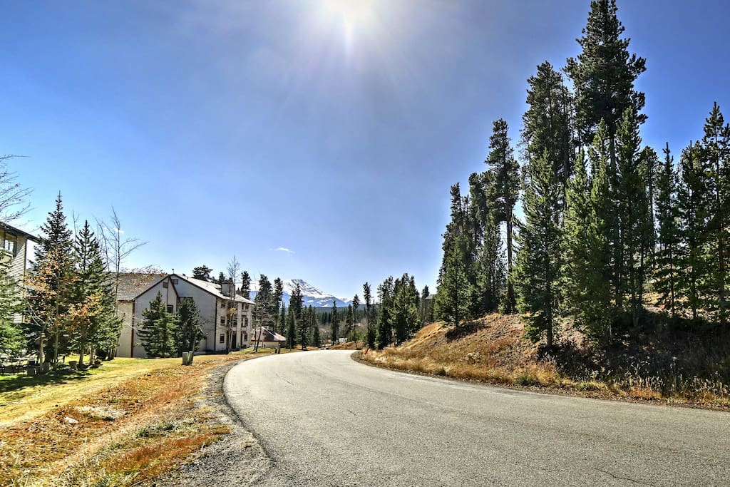 The property is just steps from the 4 o'clock ski run, Ski Hill Road, and Breckenridge Nordic Center!