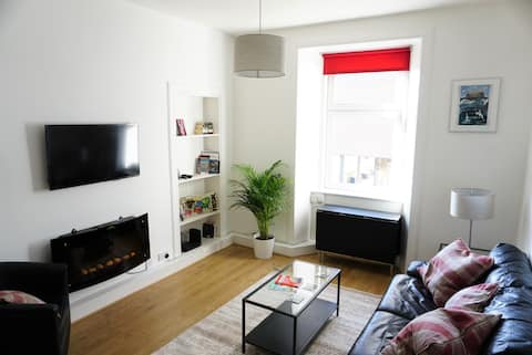 Cosy, Central West End Residence