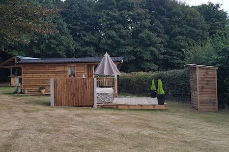 WOODYS RETREAT ( shepherd hut )