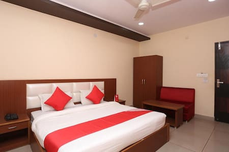 Single Room | Celebrate Your Life| Bolpur, Kolkata