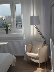 helle 2 Zimmer Wohnung in Bergheim - ハイデルベルク
