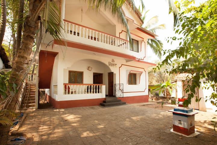 2 Bedroom Downstairs Apartment near Patnem/Palolem