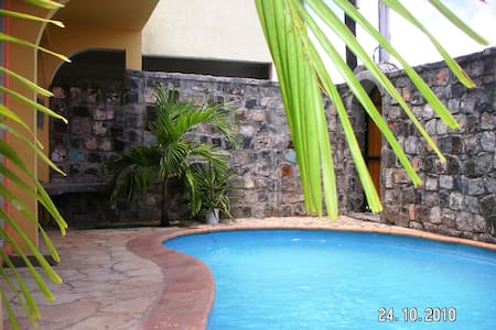 Exotic Villa on Coastal Rd,Private Pool,Mon Choisy - Grand Baie - Banglo