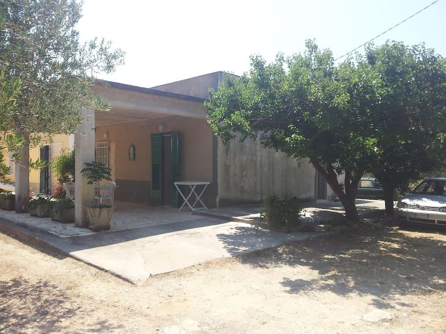 ingresso esterno con veranda
