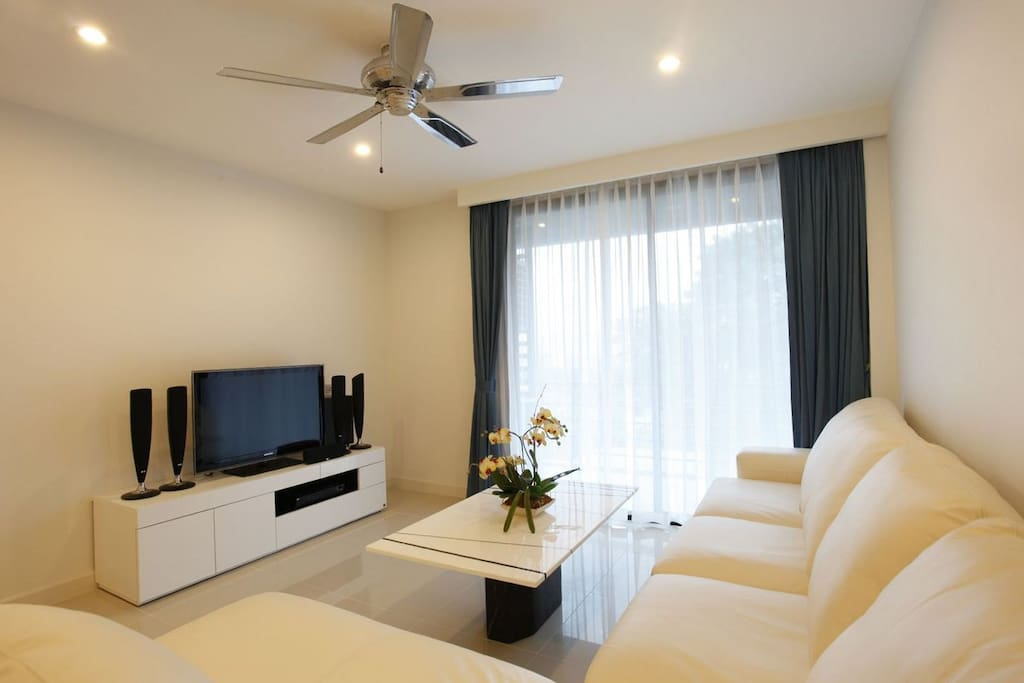 Sea view apartment in unity patong apartments for rent for Patong apartments