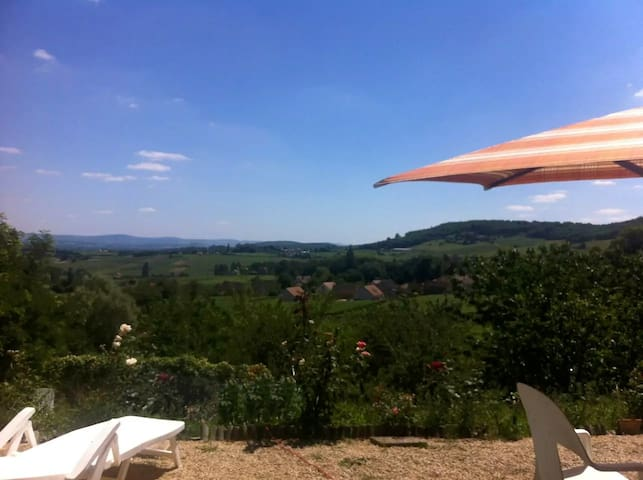 Piece of Heaven in the Vineyards - Montagny-lès-Buxy - Casa