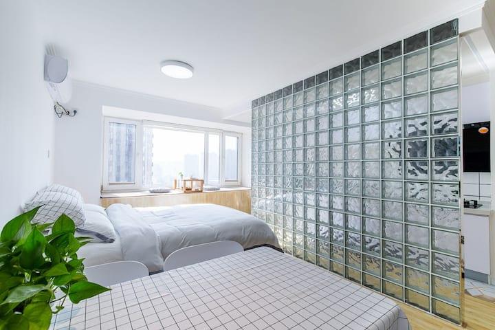 长租可谈北京西站 天安门 六里桥地铁站 首经贸 总部基地 盒马鲜生 温馨舒适双人大床房