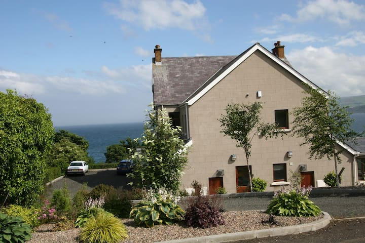 Largy Coastal Apartments/Lemnalary - Carnlough - Appartement